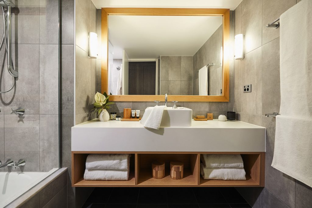 16._Superior_Room_Bathroom_1_-_Copy_-_Copy